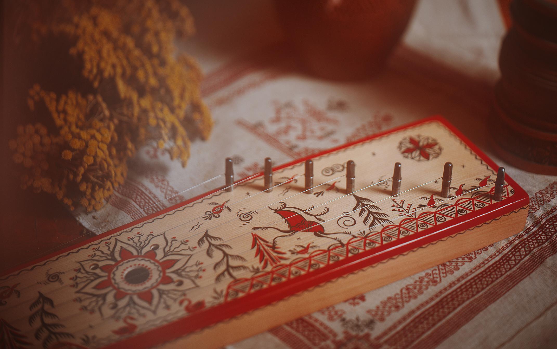 За орнаментом – символика мироздания. Мезенская роспись.